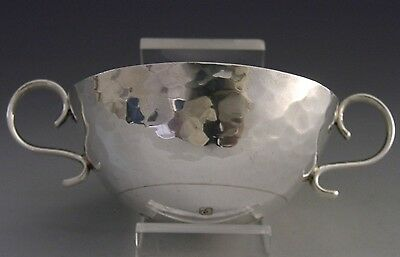 Beautifully Hand Made English Arts & Crafts Style Sterling Silver Quaich 1970