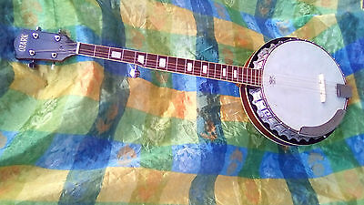 Ozark Made In USA Vintage banjo, 5 strings,wery loud, works well, preserved