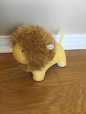 Zuny Limited Edition Yellow Lion Book End
