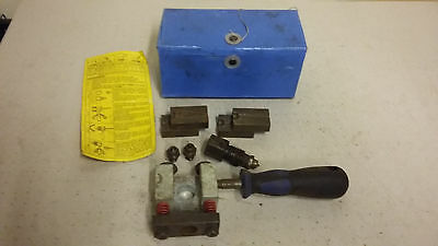 snap on blue point on car brake pipe flaring tool
