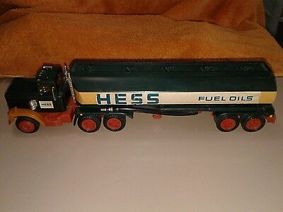 Vintage 1970s Hess Tanker Truck    No Box