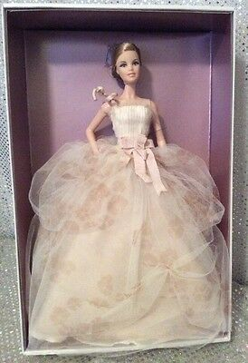 Rare Vera Wang Bride The Traditionalist Barbie Doll 2010 Gold Label R4537 Nrfb