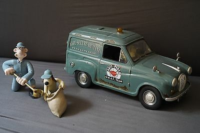 """Wallace & Gromit Figure with """"hand made S.W.A.T team truck"""" Were-rabbit curse"""