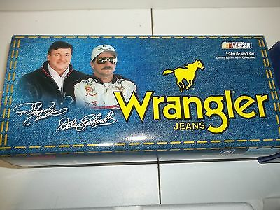 1999 Action DALE EARNHARDT WRANGLER 1/24 NASCAR die cast new in box w/ sleeve