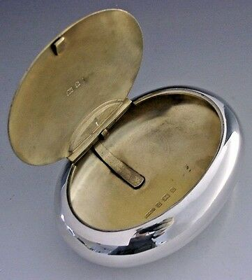 Quality English Sterling Silver Squeeze Action Pebble Tobacco Box 1901 Antique