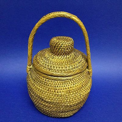 PNG New Guinea - 27cm Tall Buka Basket - Hand Woven, With Lid & Carry Handle