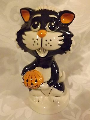 RARE Lorna Bailey Cat  Holding a small pumpkin Signed in Black