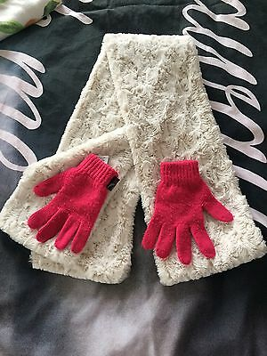 girls scarf and gloves 4-8years