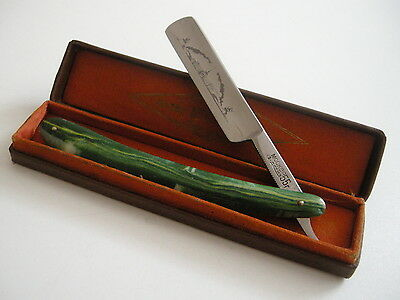 """Vintage Russian Straight Razor  """"Moscow"""" in Original Gift Case 1955"""