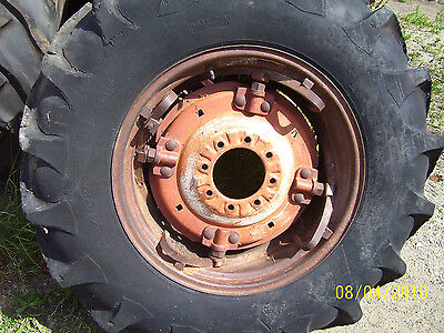 "VINTAGE OLIVER 550 GAS TRACTOR -14.9 x 26 "" REAR TIRE & WHEEL - POWER ADJUST"