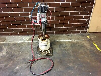 ARO 65875-B Air Pneumatic Oil Grease Transfer Pump 150PSI Inlet 6900PSI Outlet