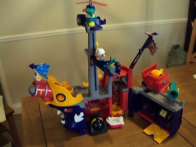 2001 Tomy Space Pirate Ship With Figures