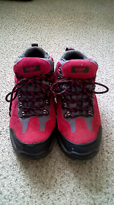 Walking / Hiking Boots by Cotton Traders size UK 4