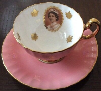 Aynsley Footed Cup Saucer~Portrait~Gold~Queen Elizabeth Ii~St Lawrence Seaway