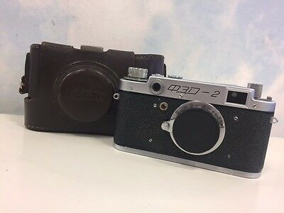 Fed-2, Type B2 Vintage 1956 Soviet Rangefinder Camera & Case.