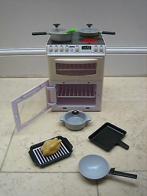 Casdon 477 White Toy Hotpoint Electronic Children Cooker Grill and Oven Pots Pan