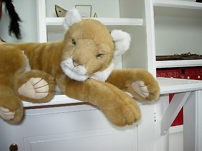 Limited Edition Collector's Plush/soft Sculpture - Avanti, Lying Baby Lion