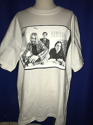 vintage 1996 Nirvana TSHIRT SHIRT LARGE band pic Foo Fighters Kurt Cobain logo