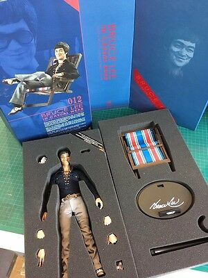 Bruce Lee Sixth Scale 1/6 Action Figure Hot Toys