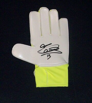 Thibaut Courtois Authentic Signed Goalkeepers Glove Chelsea / Belgium Star