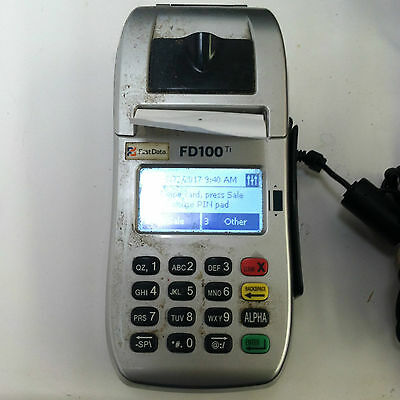 First Data FD100Ti Credit Card Terminal - Reader With AC Adapter