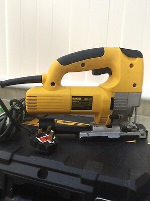 DeWalt DW321, jigsaw 240V with carry case