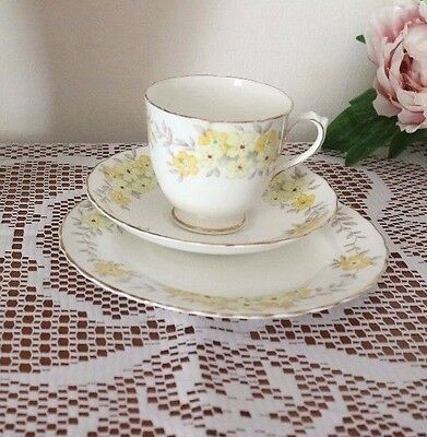 TUSCAN PLANT CHINA Hand painted Lemon Floral CUP SAUCER PLATE Trio TEA SET