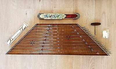 HIGH QUALITY PERSIAN SANTOOR/DULCIMER. with 2 strikers and hard case.