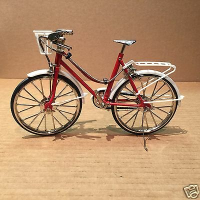Diecast 1/6 Red Cruiser Bicycle - Brakes and Pedals Working!