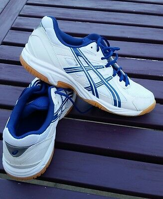 asics indoor court trainers size 7 excellent condition.