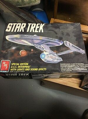 Star Trek Special Edition USS Enterprise Lights Sound Effects Model Kit AMT 6957