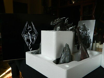 Alduin Dragon Statue. New Skyrim Collectors Edition, figure, base, and Boxes
