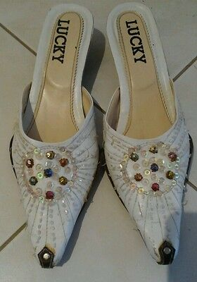 Ladies Vintage White Beads Shoes Size 7 Pointy toe Kitten Heel Slip On