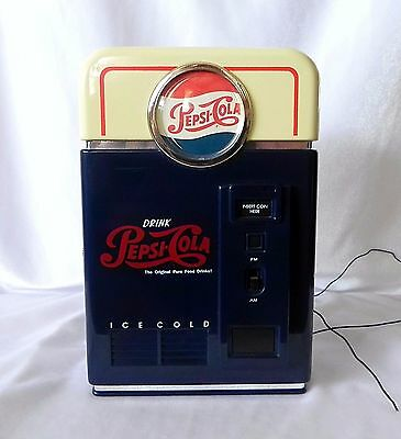 Pepsi Cola Vending Machine AM/FM RADIO