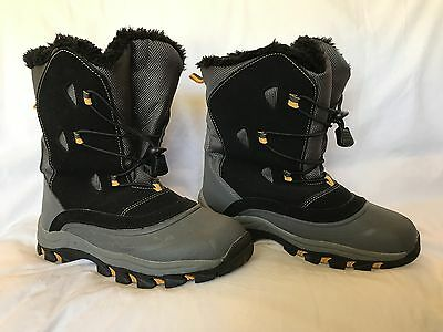 Kids snow boots - size UK 1, US 1.5, EUR 33
