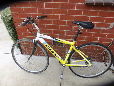 Giant OCR three Hybrid  Road Bicycle Bike shimano 105  acera Carbon fork