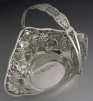 BEAUTIFUL AMERICAN STERLING SILVER GRAPE VINE SWING HANDLE BASKET c1920 ANTIQUE