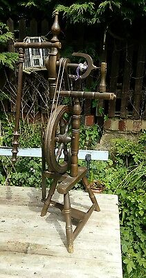 Vintage welsh  traveler Spinning Wheel Wooden