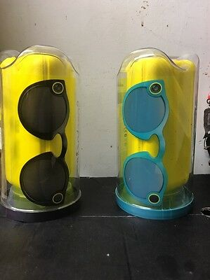 Snapchat Spectacles (( ONLY ONE PAIR ))         2 Colours