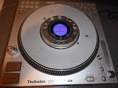 Technics SL-DZ1200 Turntable  Full working order.  CD mixer - WITH PAD