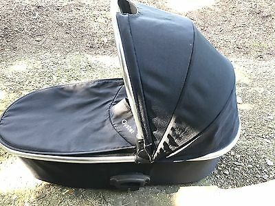 Oyster 2, Max 1/2 Black Carrycot With Rain cover Excellent Condition
