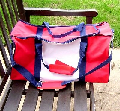 Lacoste Live Parfums Sports Gym Travel Bag Weekend Duffle Bag Holdall
