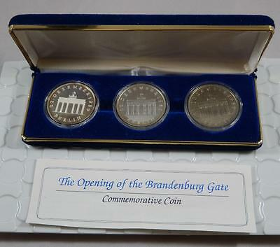 East Germany 1990-A Silver Proof & BU 20 Mark Brandenburg Gate 3 Coin Set CB150