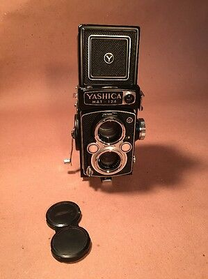 Yashica Mat-124  Twin Lens With Case - Excellent condition, untested