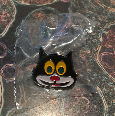 Supreme 2016 Mad Cat Pin Brooch Keychain Box Logo Key Chain Accessory Lanyard