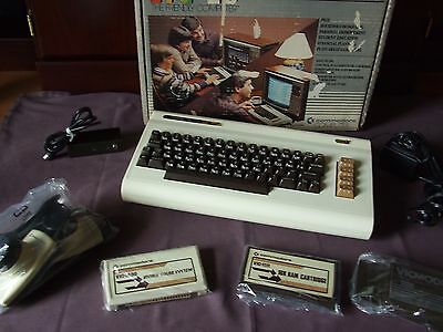 Vintage computer commodore vic 20 with box