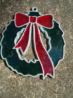Christmas Wreath w/ Red Bow Stains Glass Ornament/Window Decoration 3 ½ Inches