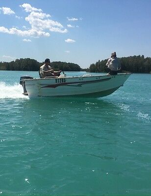 2002 Trail Craft Side Console Boat