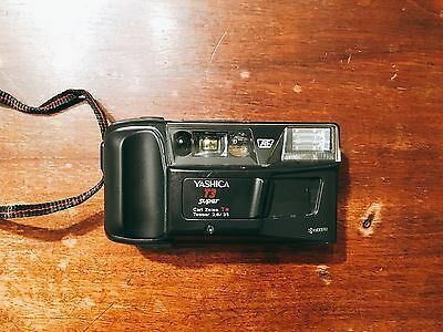 Yashica T3 Super ( carl zeiss 35mm film camera vintage f/2.8 t4 t5 na scope )