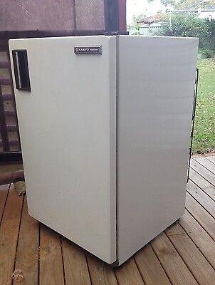 sanyo 112 litre freezer in good condition Model HF 1455